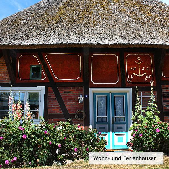 Sanierung von historischen Reetdachbauten u. Fischerkaten